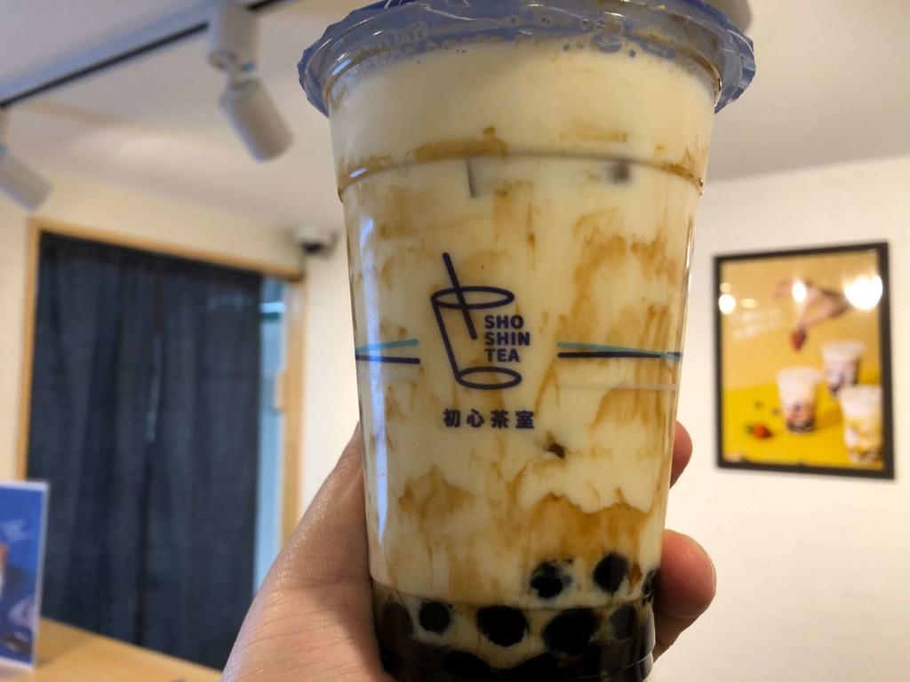 初心茶室の沖縄黒糖タピオカきな粉ミルク
