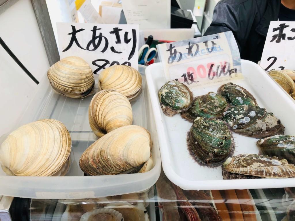 福吉漁港の牡蠣小屋「カキの阿部 飛龍丸」の大あさり