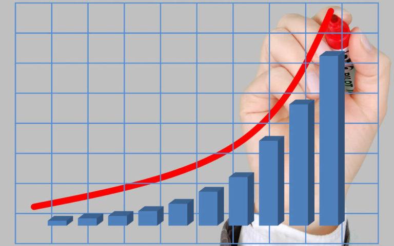 【ブログ更新頻度は?】サラリーマンしながらのブログ収益化について【記事数80突破】