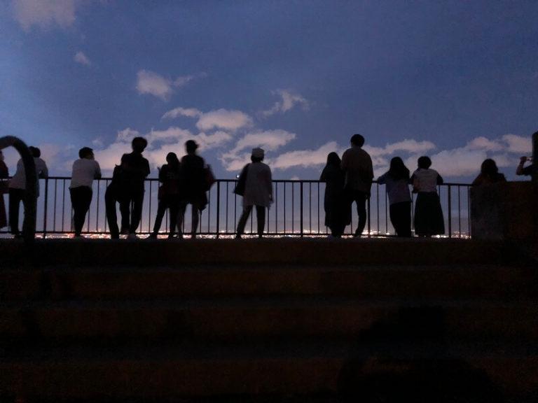 【絶景!】福岡の夜景スポットで噂の油山片江展望台に行ってみた【デートにぴったり♪】