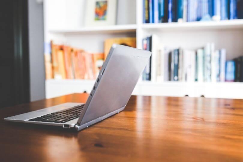 筆者の簡単な経歴